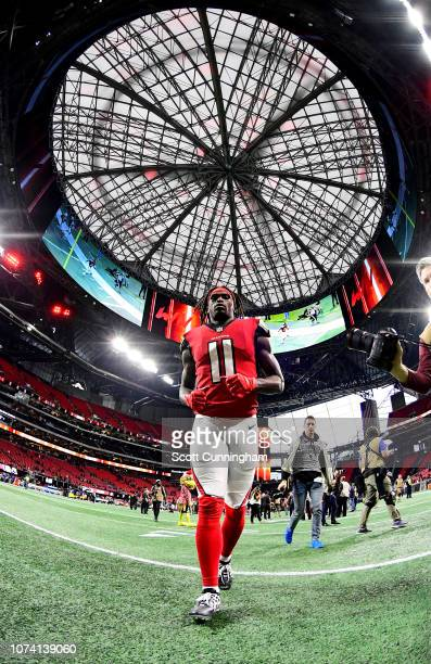 Julio Jones of the Atlanta Falcons heads off the field after the game against the Arizona Cardinals at Mercedes-Benz Stadium on December 16, 2018 in...