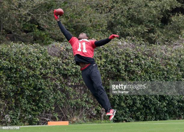 Julio Jones of the Atlanta Falcons makes a catch during the Super Bowl LI practice on February 3 2017 in Houston Texas