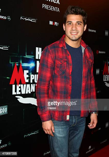 Julio Ramirez attends the red carpet of Hoy no me puedo levantar at Almada Theater on February 18 2014 in Mexico City Mexico
