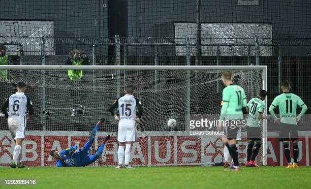 Julio Villalba of Borussia Monchengladbach scores their team's fifth goal from a penalty during the DFB Cup second round match between SV Elversberg...
