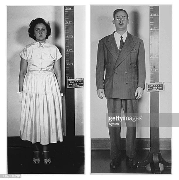 Julius and Ethel Rosenberg following their arrest by the FBI in New York City for espionage 1950 They were convicted and executed in 1953