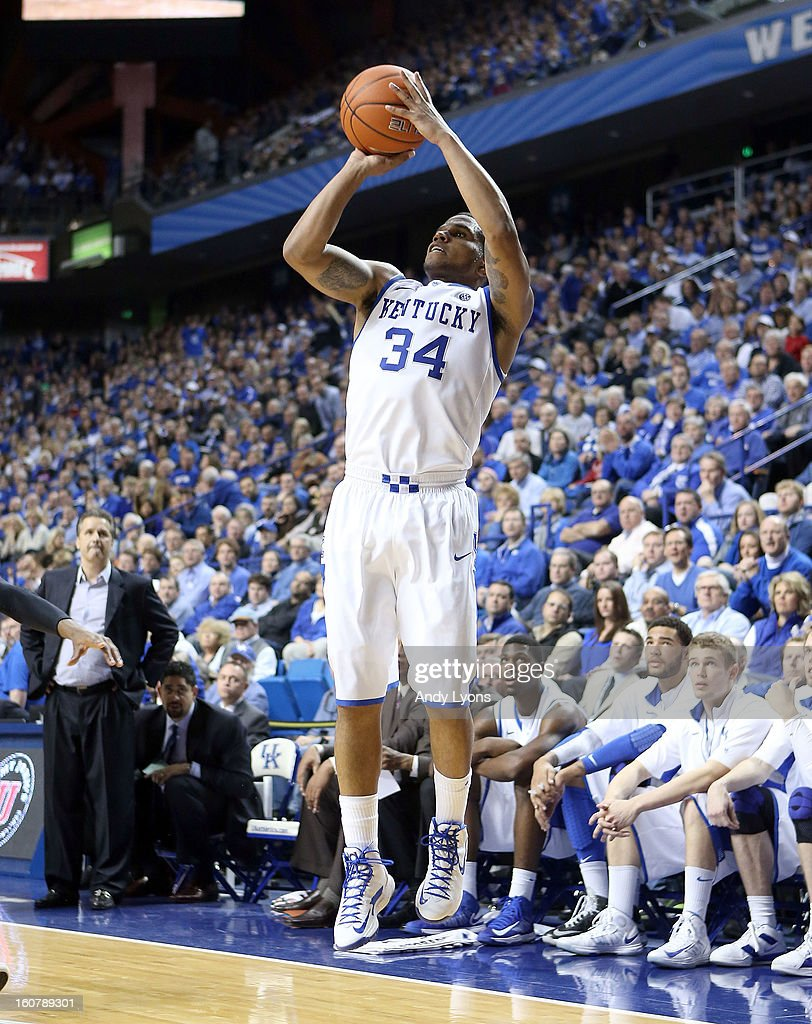 Julius Mays #34 of the Kentucky Wildcats shoots the ball during the game against the South Carolina Gamecocks at Rupp Arena on February 5, 2013 in Lexington, Kentucky.