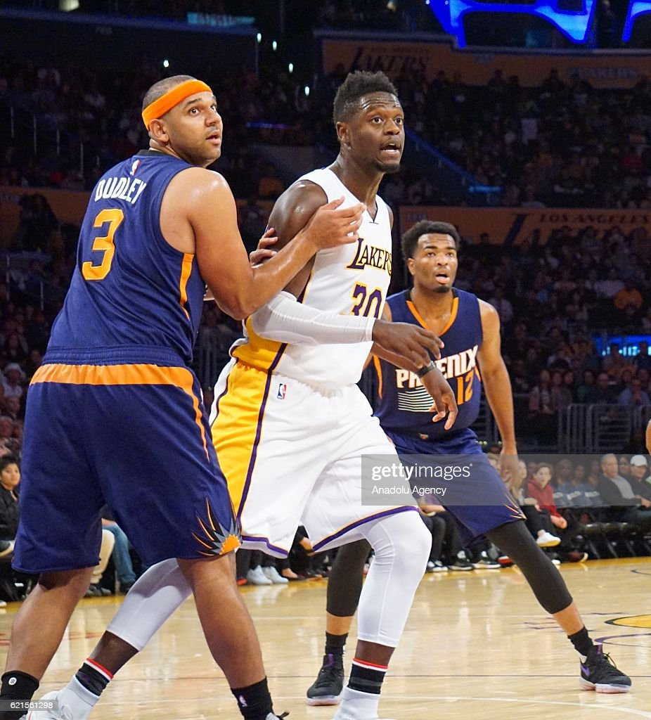 Julius Randle (C) of Los Angeles Lakers in action against Jared Dudley (L) of Phoenix Suns during a NBA game between Los Angeles Lakers and Phoenix Suns at Staples Center in Los Angeles, USA on November 06, 2016.
