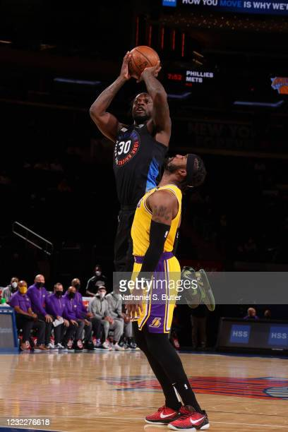 Julius Randle of the New York Knicks shoots the ball during the game against the Los Angeles Lakers on April 12, 2021 at Madison Square Garden in New...