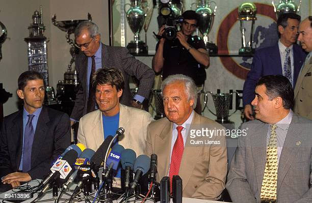 July 01 1994 Madrid Spain The soccer player Michael Laudrup in a press with the president of the Real Madrid Ramon Mendoza and with Lorenzo Sanz...