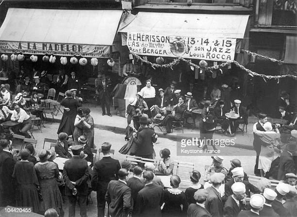 July 14Th Bal In The Faubourg SaintDenis In Paris Couples Dancing To The Orchestra'S Music Before Cafe Terraces In 1932