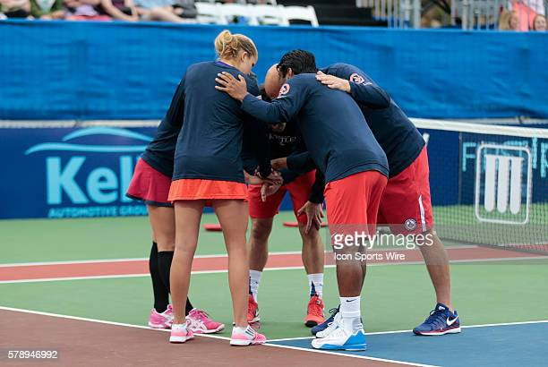 Kastles huddle up before the match The Washington Kastles defeated the Boston Lobsters 239 in a World Team Tennis match at Boston Lobsters Tennis...