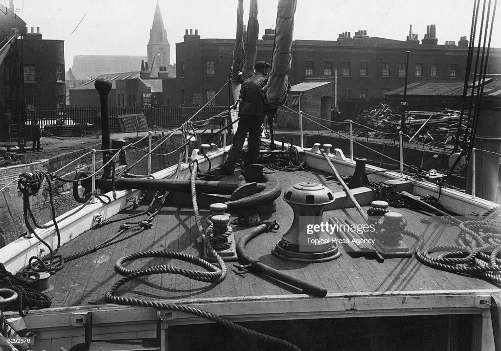SS Endurance At Millwall Docks : News Photo
