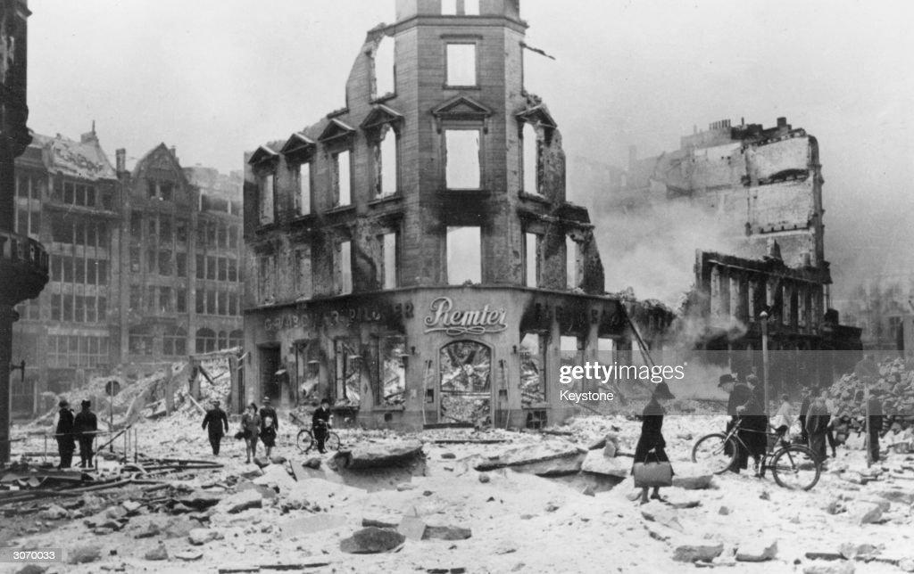 Hamburg Ruins : Nachrichtenfoto