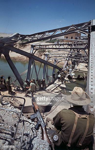 July 1967 after the 'Six Day War' Israel tripled its surface area The new frontier of the Hebrew state An Israeli soldier watches people crossing a...