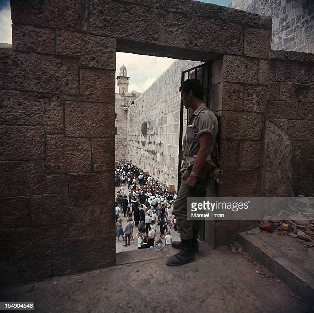 July 1967 after the 'Six Day War' Israel tripled its surface area The new frontier of the Hebrew state In Jerusalem an Israeli soldier watches the...