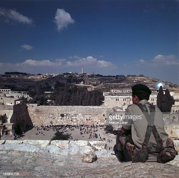 July 1967 after the 'Six Day War' Israel tripled its surface area The new frontier of the Hebrew state An Israeli soldier stands guard on the heights...