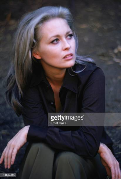American beauty Faye Dunaway who made her name as the notorious Bonnie Parker in the 1967 film version of 'Bonnie and Clyde'