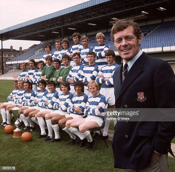 Queens Park Rangers manager Les Allen with the QPR team at Loftus Road From the back row and from left to right Hazell Watson Hunt Evans Sibley Tom...