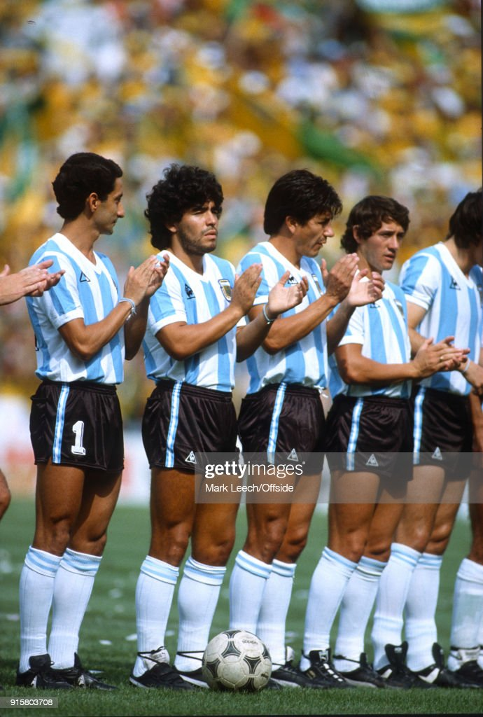 Argentina v Brazil : Osvaldo Ardiles and Diego Maradona applaud the pre-match anthem (photo by Mark Leech/Offside/Getty Images).