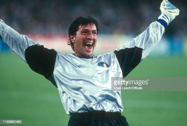 July 1990 - Argentina v Italy - FIFA World Cup Semi-Final - Stadio San Paolo - Walter Zenga of Italy celebrates their opening goal. -