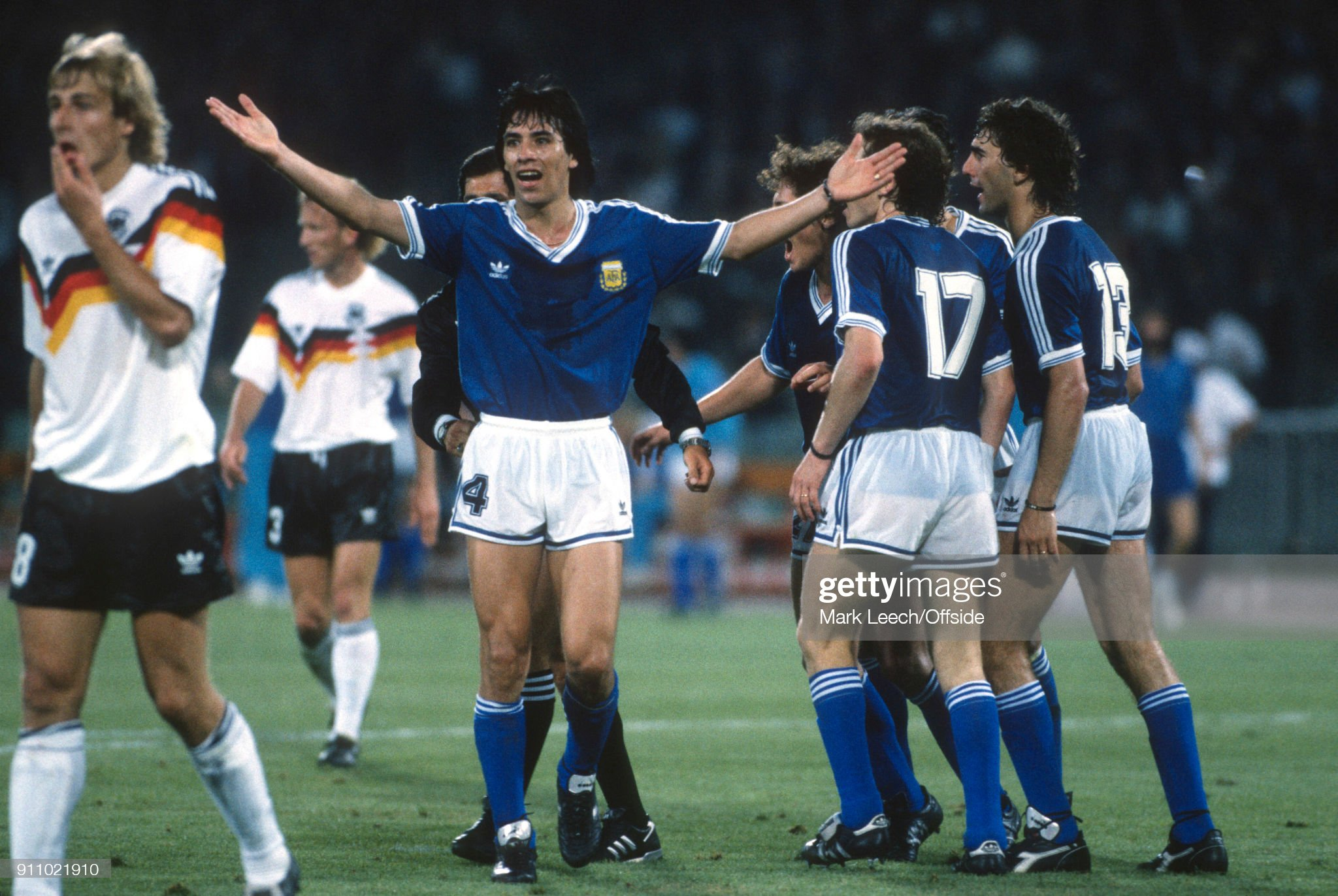 [Imagen: july-1990-rome-fifa-world-cup-final-arge...=2048x2048]