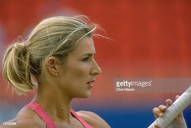 Kate Staples of Great Britain concentrates before the Pole Vault event at the 1995 BUPA Games in Gateshead England Staples finished in second place...