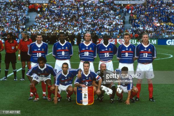 July 1998 - FIFA World Cup - Final - Stade de France - Brazil v France - The France team pose for photo before the match. -