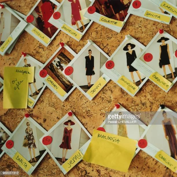 July 2000, fashion show in Paris: pictures of the models' dresses Juillet 2000, défilé haute-couture à Paris : photos rassemblant les tenues des...