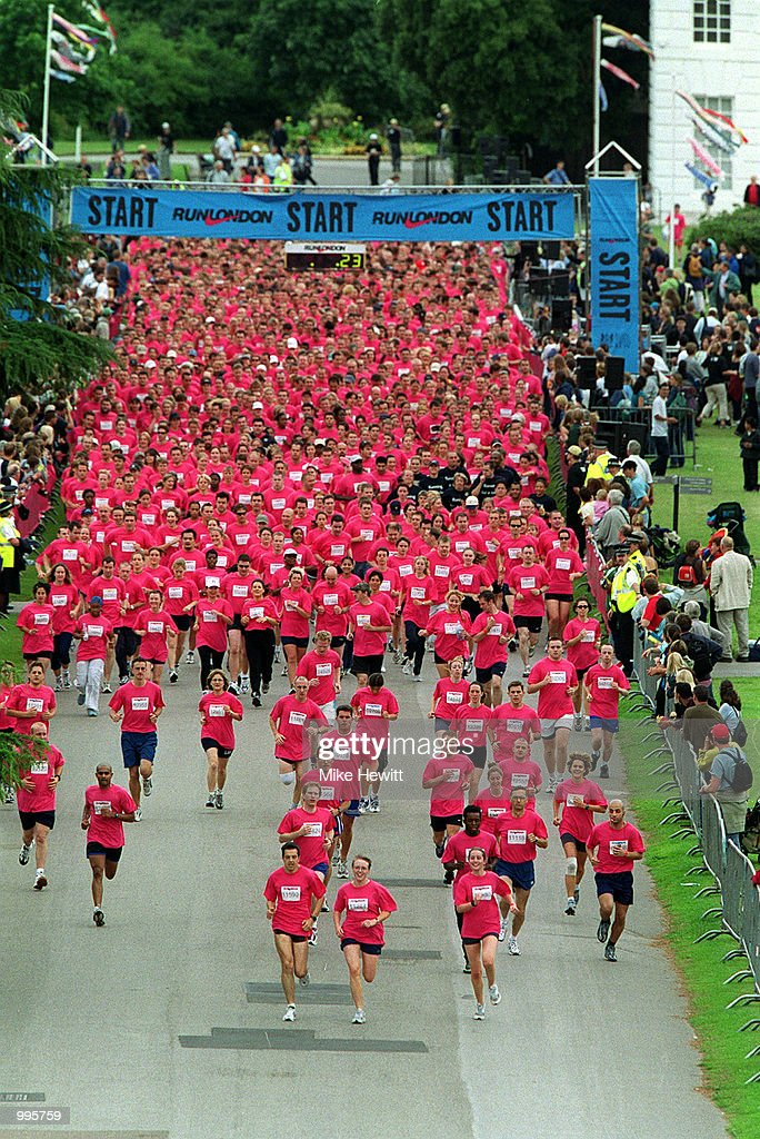 A general view of the runners at the start of the Nike 10k run at Kew Gardens, London. Mandatory Credit: Mike Hewitt/ALLSPORT