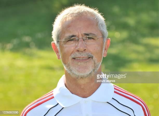 July 2010, Bavaria, Munich: Gerd Müller, shot on the club grounds of FC Bayern Munich. Photo: picture alliance / dpa
