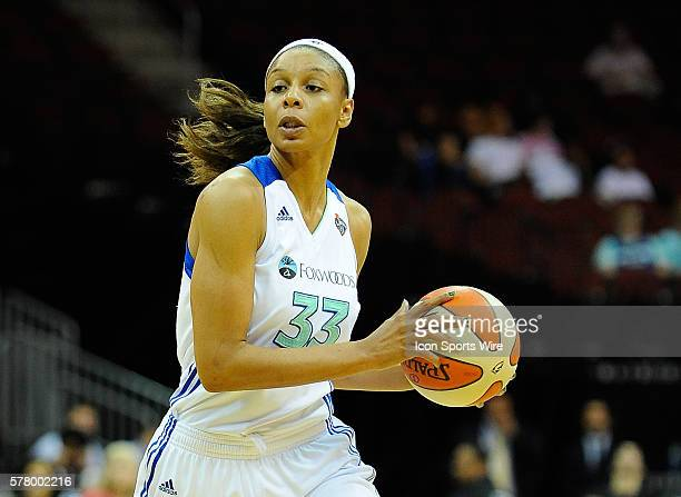 New York Liberty forward/center Plenette Pierson scans the court during the first half against the San Antonio Silver Stars at the Prudential Center...