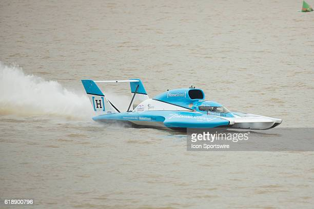 Jimmy Shane piloting the hometown U1 HomeStreet Bank Miss Madison boat leads during the Madison Regatta's Indiana Governors Cup H1 Unlimited...
