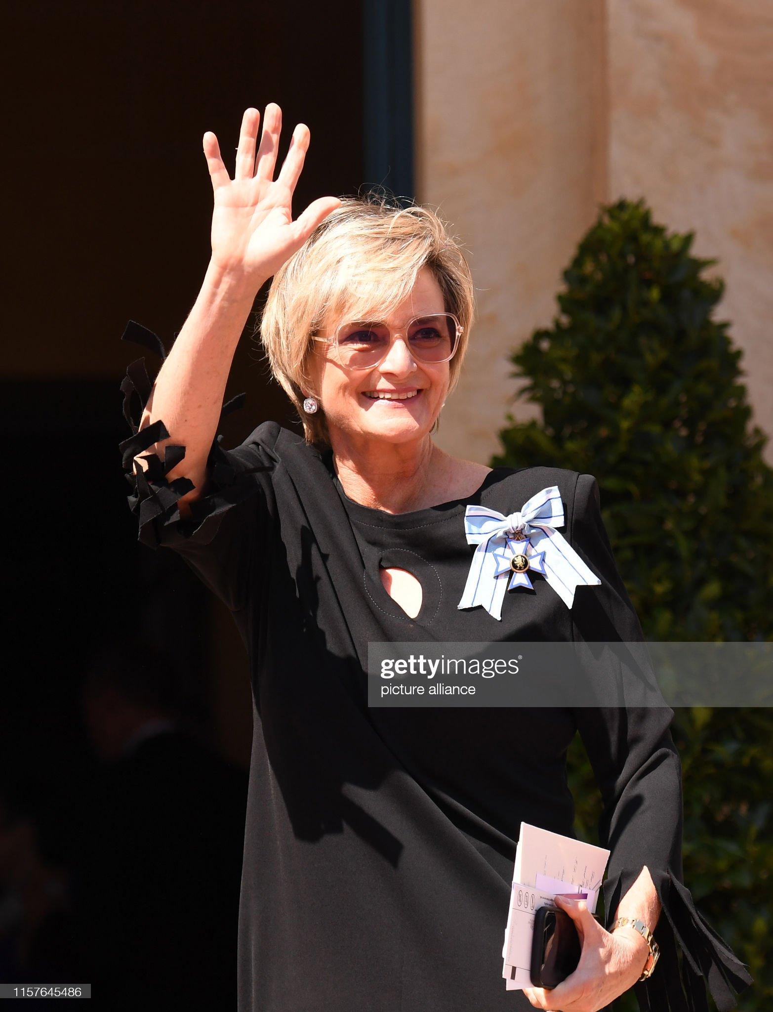 https://media.gettyimages.com/photos/july-2019-bavaria-bayreuth-gloria-von-thurn-und-taxis-comes-to-the-picture-id1157645486?s=2048x2048