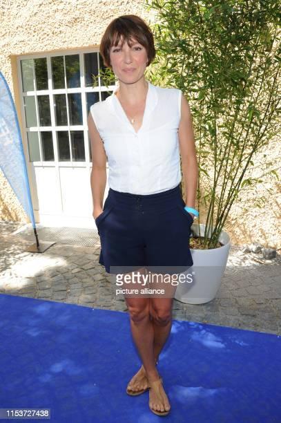 The actress Julia Koschitz comes to the reception of the FilmFernsehFonds Bayern at the Filmfest Munich Photo Ursula Düren/dpa