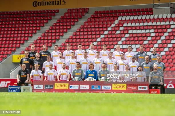 July 2019, Bavaria, Regensburg: Soccer 2nd Bundesliga: Photo shoot SSV Jahn Regensburg for the season 2019/20 in the Continental Arena. Back row...