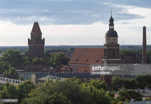 July 2019, Brandenburg, Cottbus: Spremberg tower and castle church. Photo: Soeren Stache/dpa