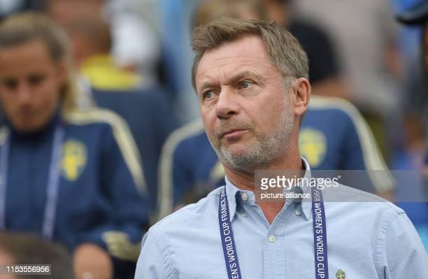 July 2019, France , Décines-Charpieu: Football, women: WM, Netherlands - Sweden, final round, semi-final, Stade de Lyon: Peter Gerhardsson, coach of...