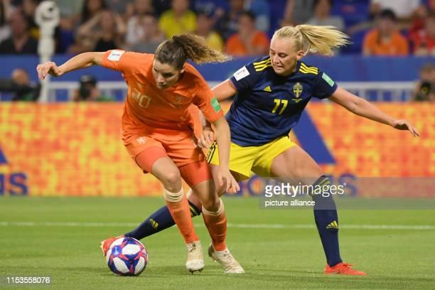 July 2019, France , Décines-Charpieu: Football, women: WM, Netherlands - Sweden, final round, semi-final, Stade de Lyon: Dominique Bloodworth from...