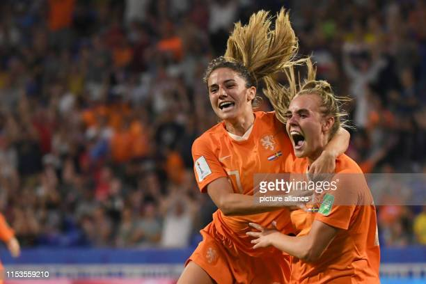 July 2019, France , Décines-Charpieu: Football, women: WM, Netherlands - Sweden, final round, semi-final, Stade de Lyon: Danielle van de Donk from...