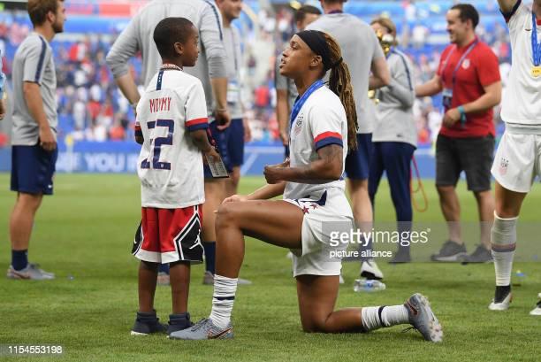 July 2019, France , Décines-Charpieu: Football, women: WM, USA - Netherlands, final round, final, Stade de Lyon: Jessica McDonald from the USA talks...