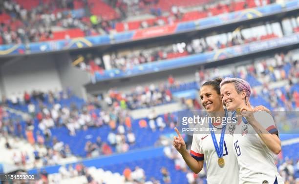 July 2019, France , Décines-Charpieu: Football, women: WM, USA - Netherlands, final round, final, Stade de Lyon: Carli Lloyd from the USA stands next...