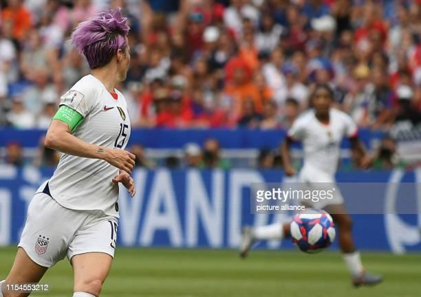 July 2019, France , Décines-Charpieu: Football, women: WM, USA - Netherlands, final round, final, Stade de Lyon: Megan Rapinoe from the USA plays a...
