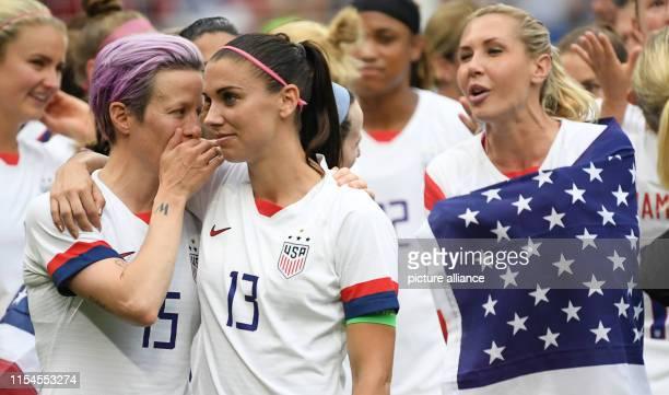 July 2019, France , Décines-Charpieu: Football, women: WM, USA - Netherlands, final round, final, Stade de Lyon: Megan Rapinoe from the USA stands...