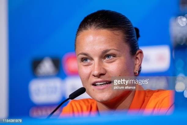 July 2019, France , Décines-Charpieu: Football, women: World Cup, national team, Netherlands, final press conference: Sherida Spitse speaks. The USA...