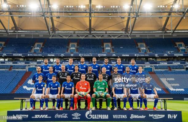 10 July 2019 North RhineWestphalia Gelsenkirchen Team photo of FC Schalke 04 Upper row from left to right Daniel Caligiuri Mark Uth Fabian Reese...