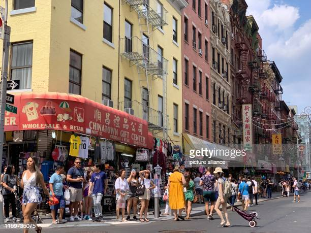 July 2019, US, New York: Street scene in Chinatown in the Manhattan district. Chinatown is at the top of the list of sights of almost all New York...