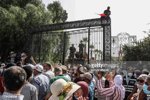 July 2021, Tunisia, Tunis: Soldiers of the Tunisian army guard the entrance of the Parliament building during a protest a day after Tunisian...