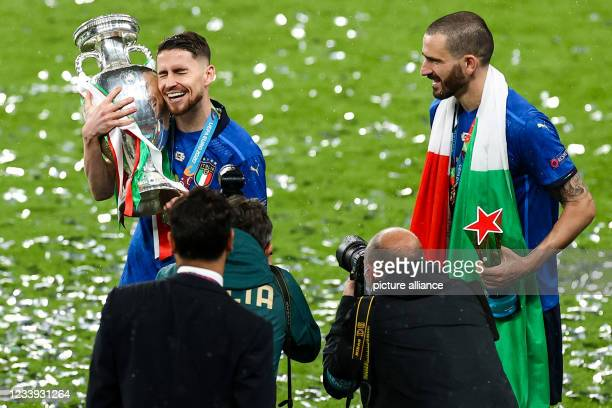 July 2021, United Kingdom, London: Football: European Championship, Italy - England, final round, final at Wembley Stadium. Italy's Jorginho and...