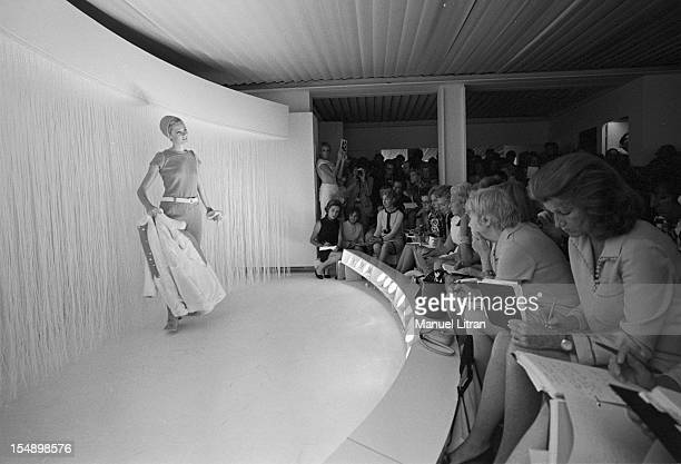 July 29 presentation of new models of the 19691970 winter collection fashion designer Andre Courreges A dummy facing the audience