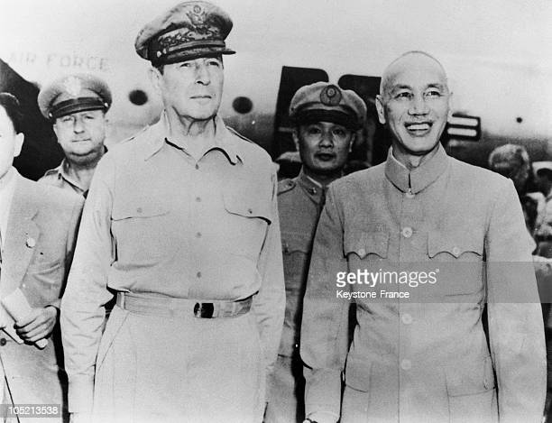 The American General Douglas Mcarthur Is Greeted By The Chinese Generalissimo Chang KaiChek Upon His Arrival At The Airfield In Formose On September...