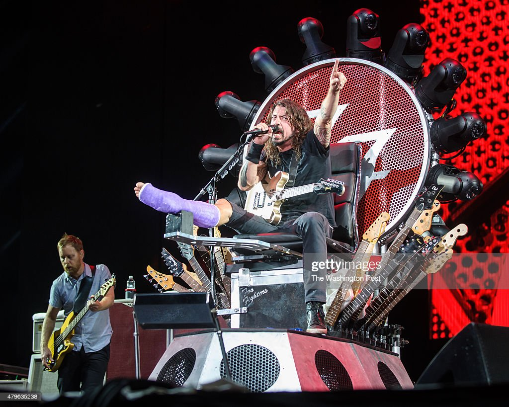 Foo Fighters Perform at the Foo Fighters 20th Anniversary Blowout : News Photo
