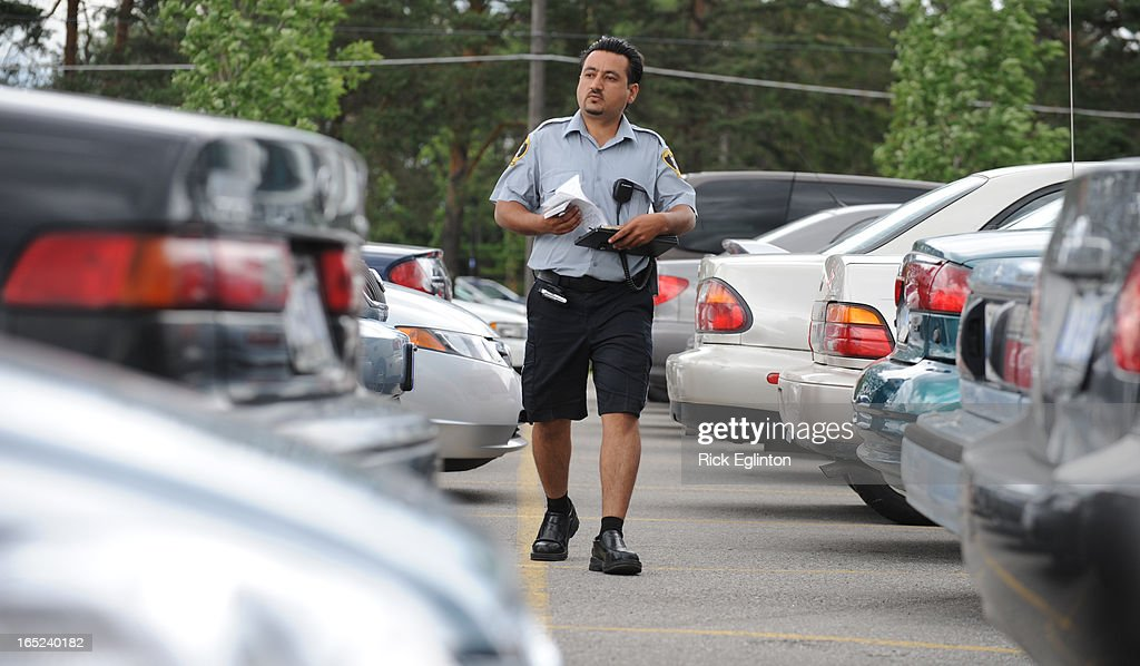 how to become parking enforcement officer in toronto