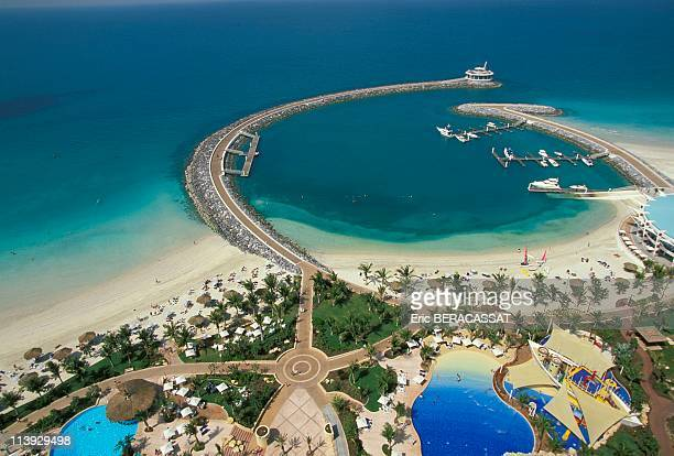 Jumeirah bay in dubai In United Arab EmiratesImage not to be used in tourism cruise brochure until 7th February 2011