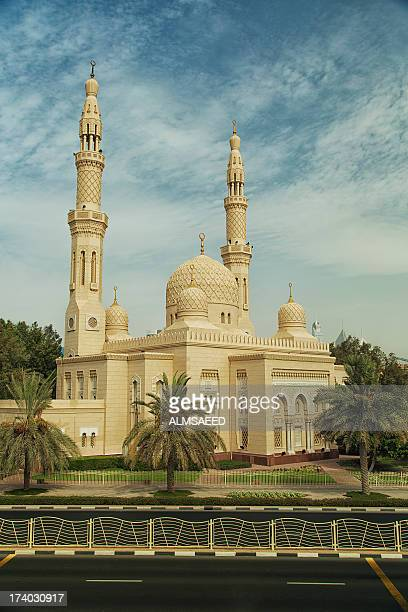 jumeirah grand mosque - minaret stock pictures, royalty-free photos & images